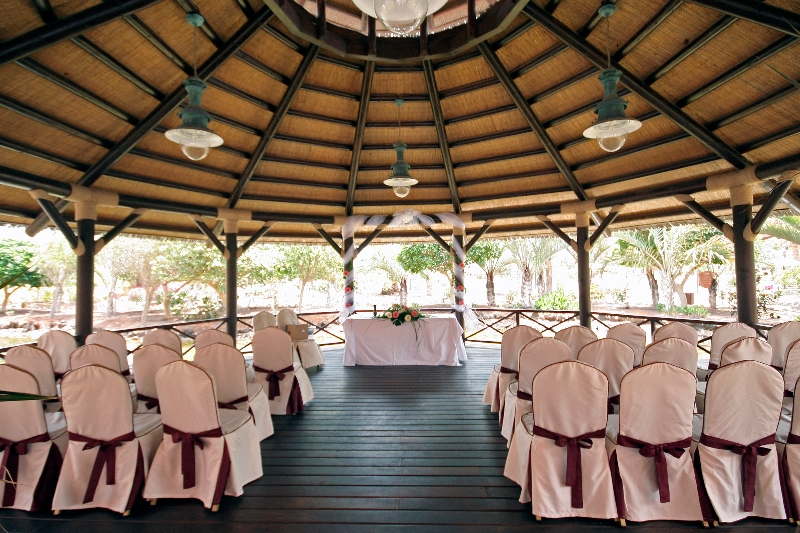 gazebo-wedding-set-up